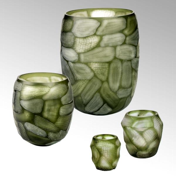 Silvestro glass vase w/handcut