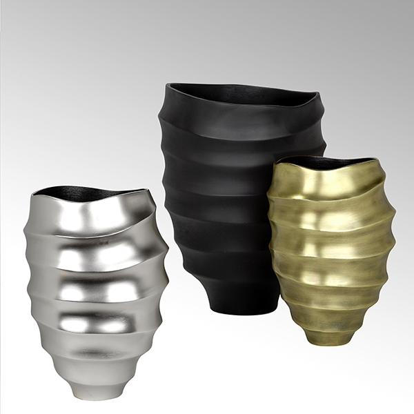 Yasu vessel with grooves aluminium casted