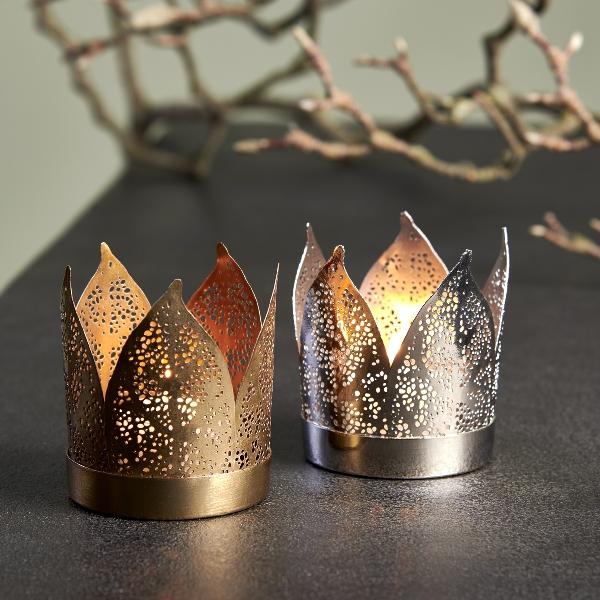 Corona tealightholder with leaves