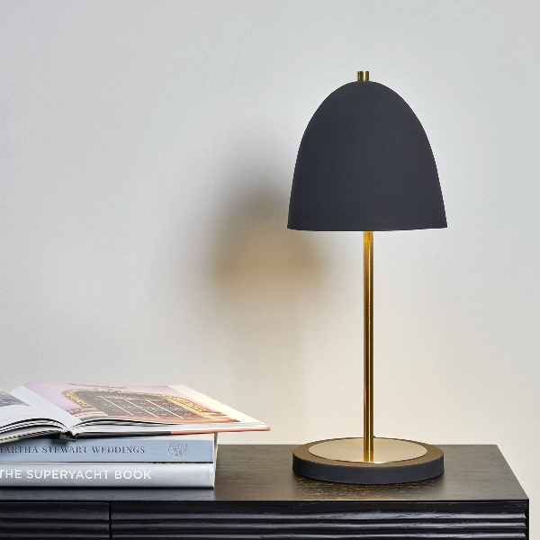 Harlem table lamp stainless steel