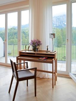 Modesto desk walnut/ bamboo 120 x 58 x 93 cm